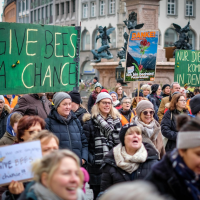 Supporters of the biodiversity petition demonstrate for better species protection in Munich, Bavaria. | Photograph: Georg Kurz